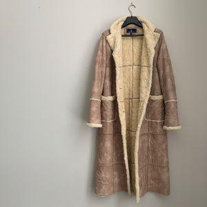 LAST DROP 🎤 Full Shearling faux London Fog coat